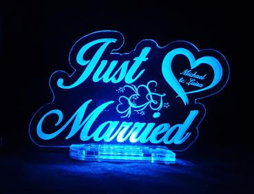 "Acryl LED Aufsteller ""JUST MARRIED"" mit Gravur"